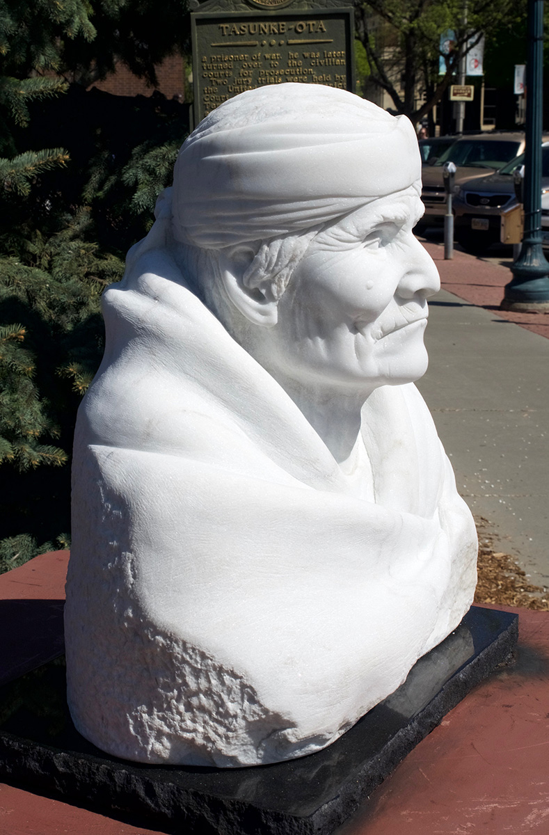 Old Geronimo sculpture, right side