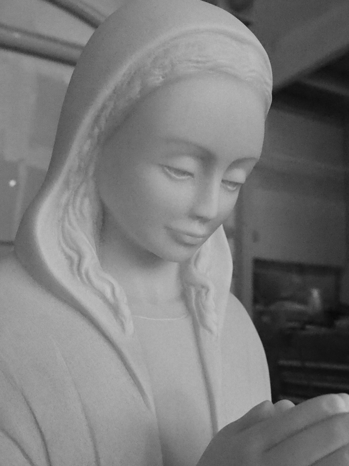 Madonna Sculpture, face detail